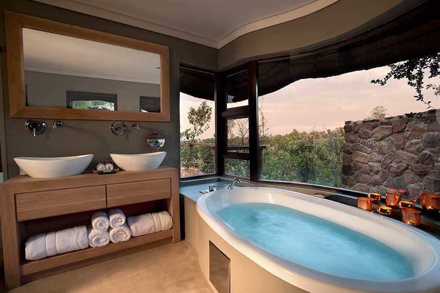 mhondoro executive suite bathroom